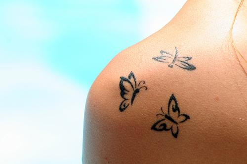 butterfly-shoulder-womens-girls-tattoos-tattoo-designs-pictures