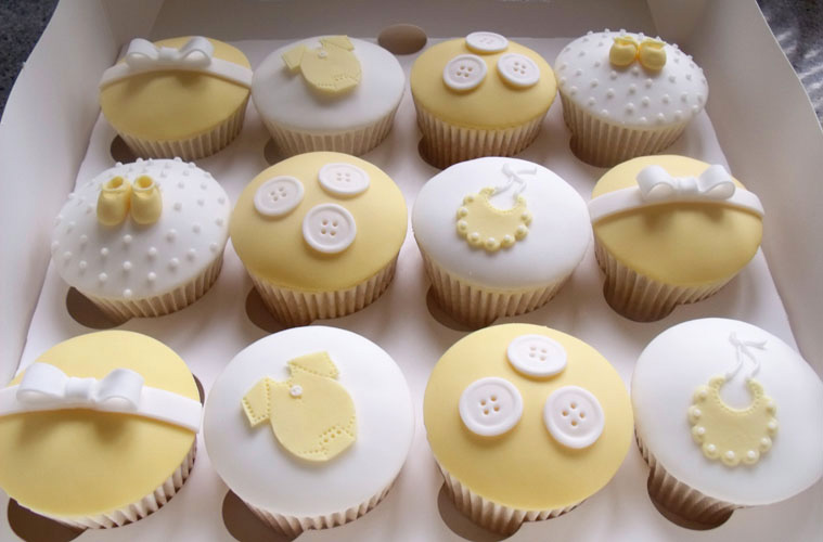 baby-shower-cake-fondant-decorations