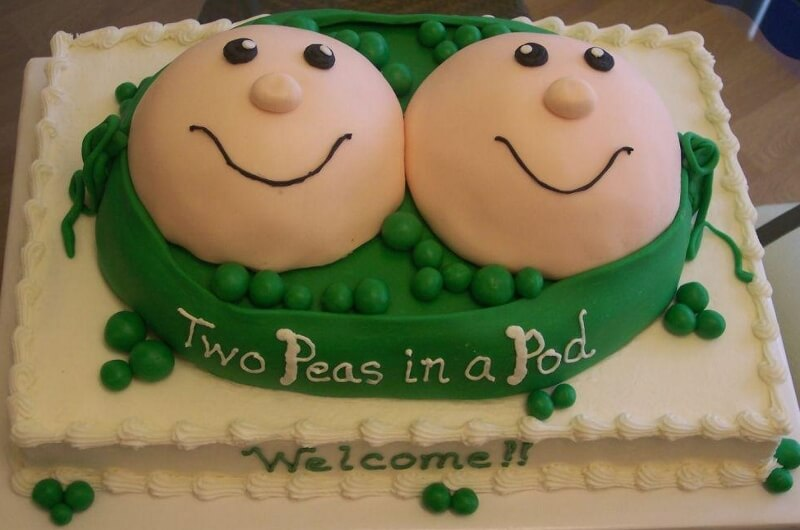 baby-shower-cake-for-twins