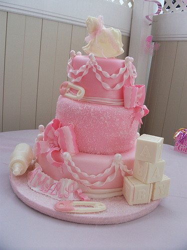 interesting-girl-baby-shower-cakes