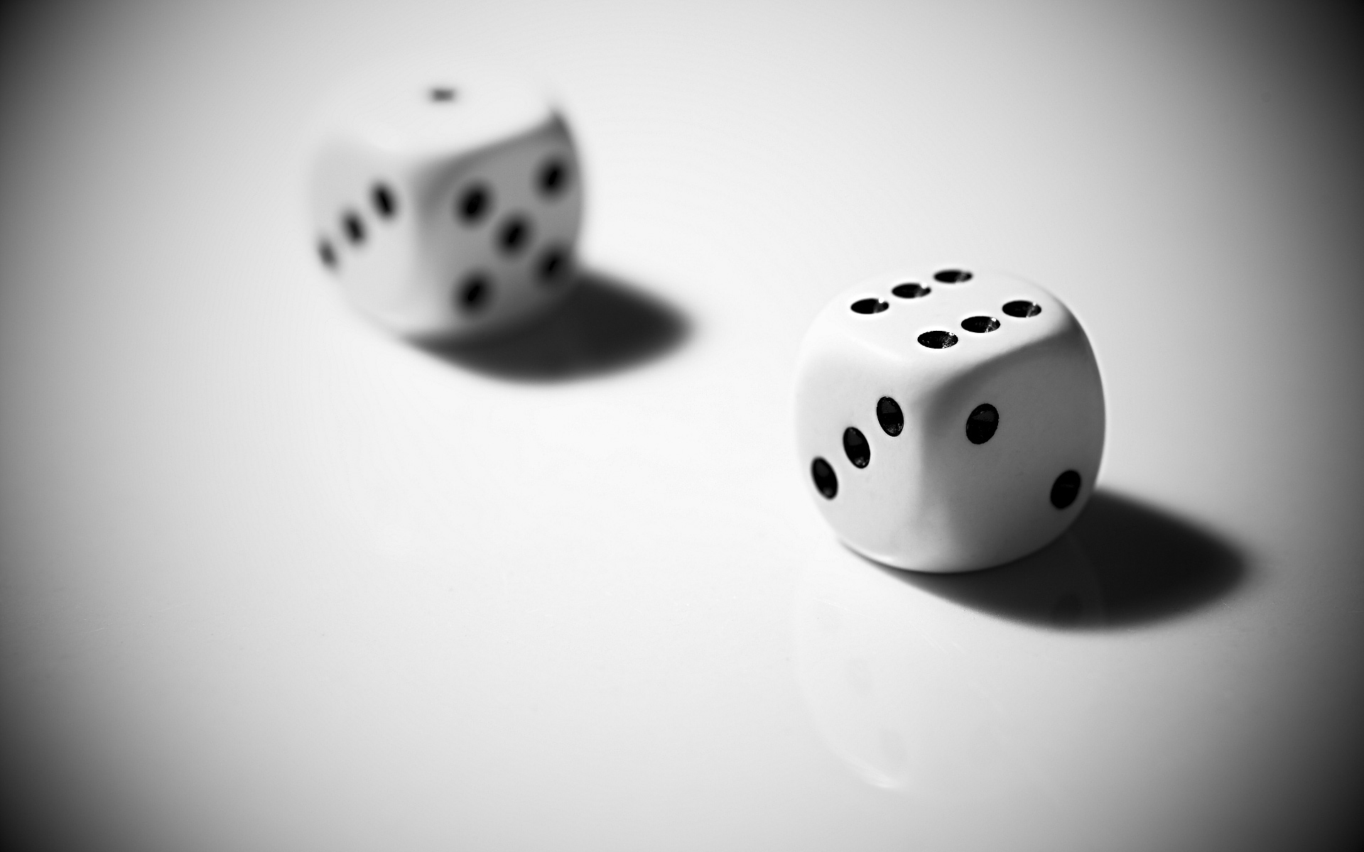 dice white wallpaper