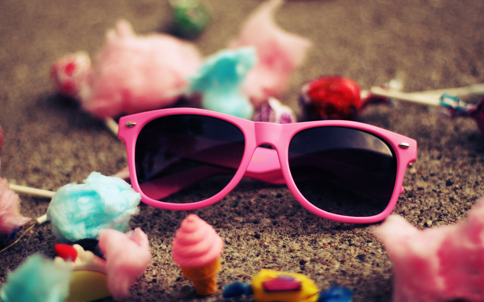 Cute-pink-sunglass-for-girls-hd-wallpapers