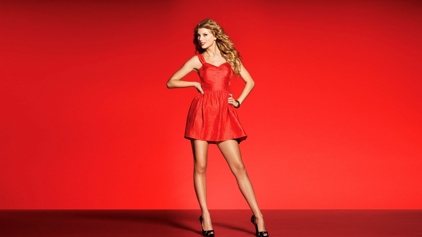 RED-taylor-swift-picture-images