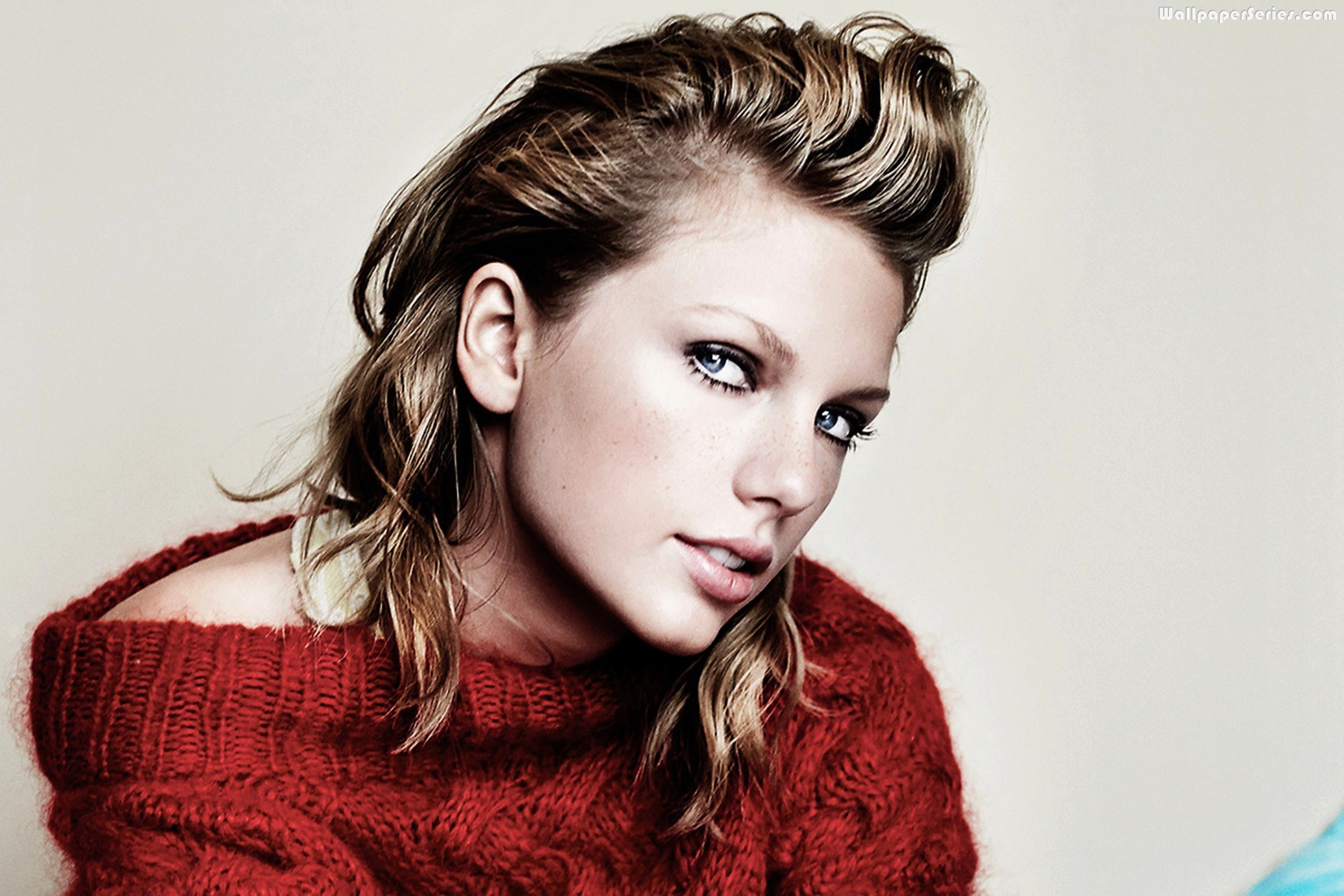 Red-Sweater-Taylor-Swift-Wallpaper