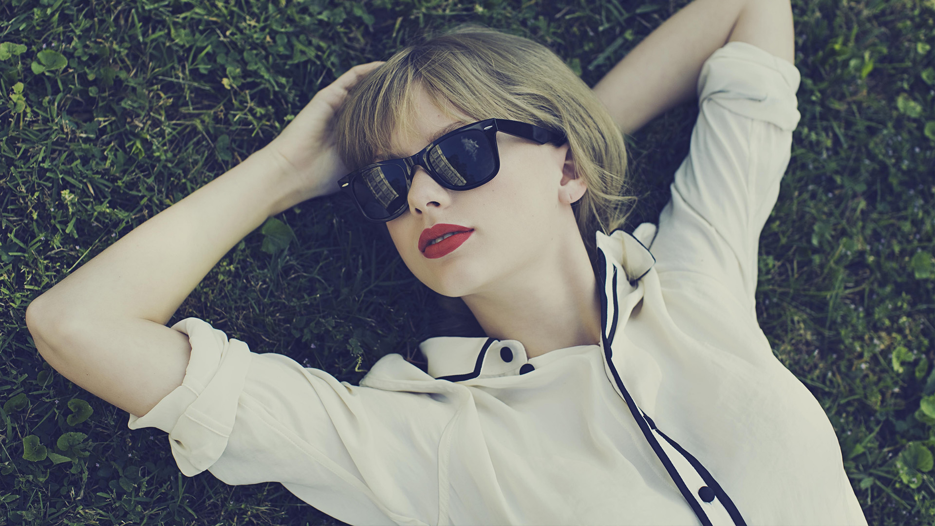 lovely pictures of taylor swift