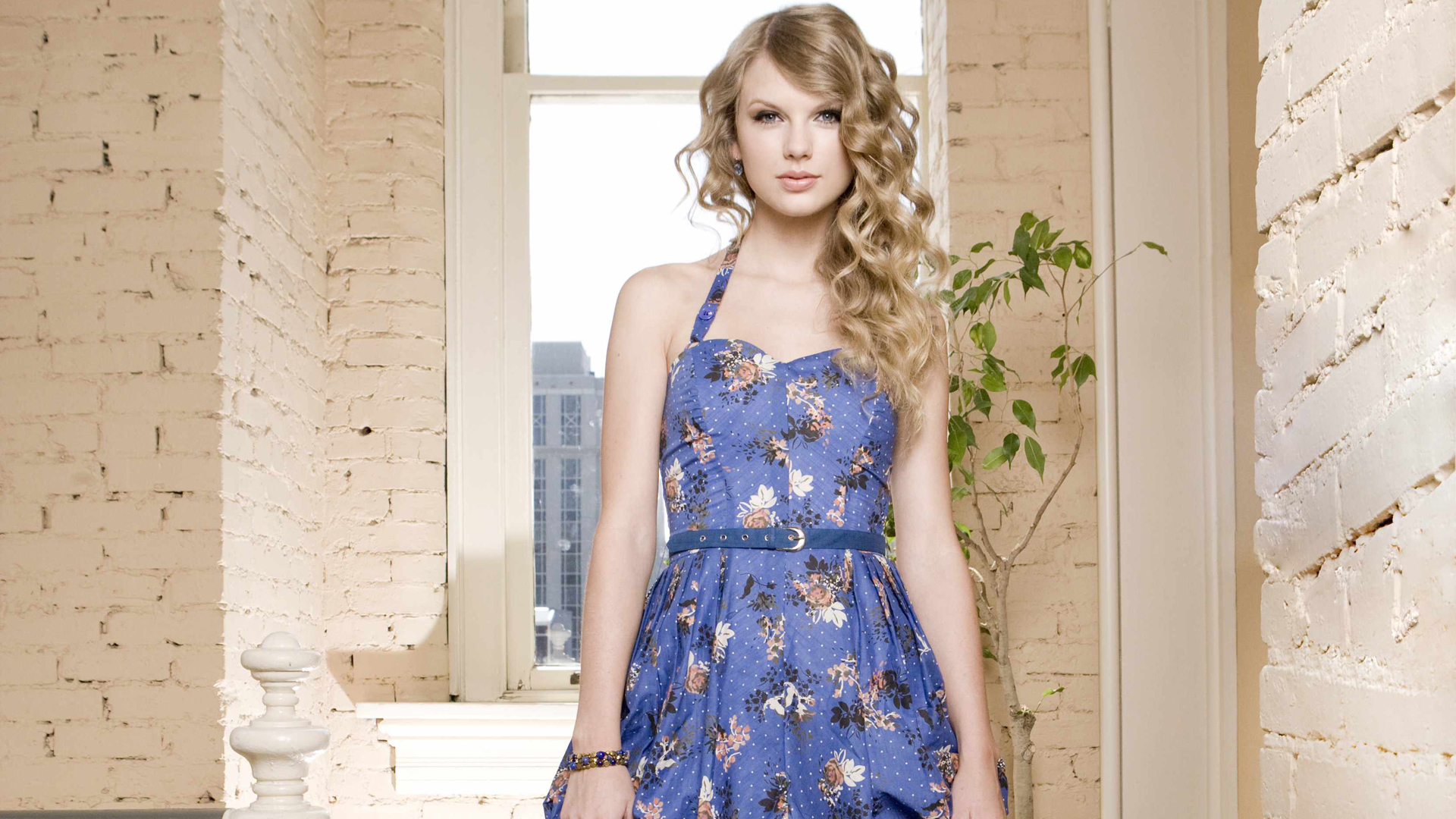 pictures of taylor-swift-wallpaper-cute