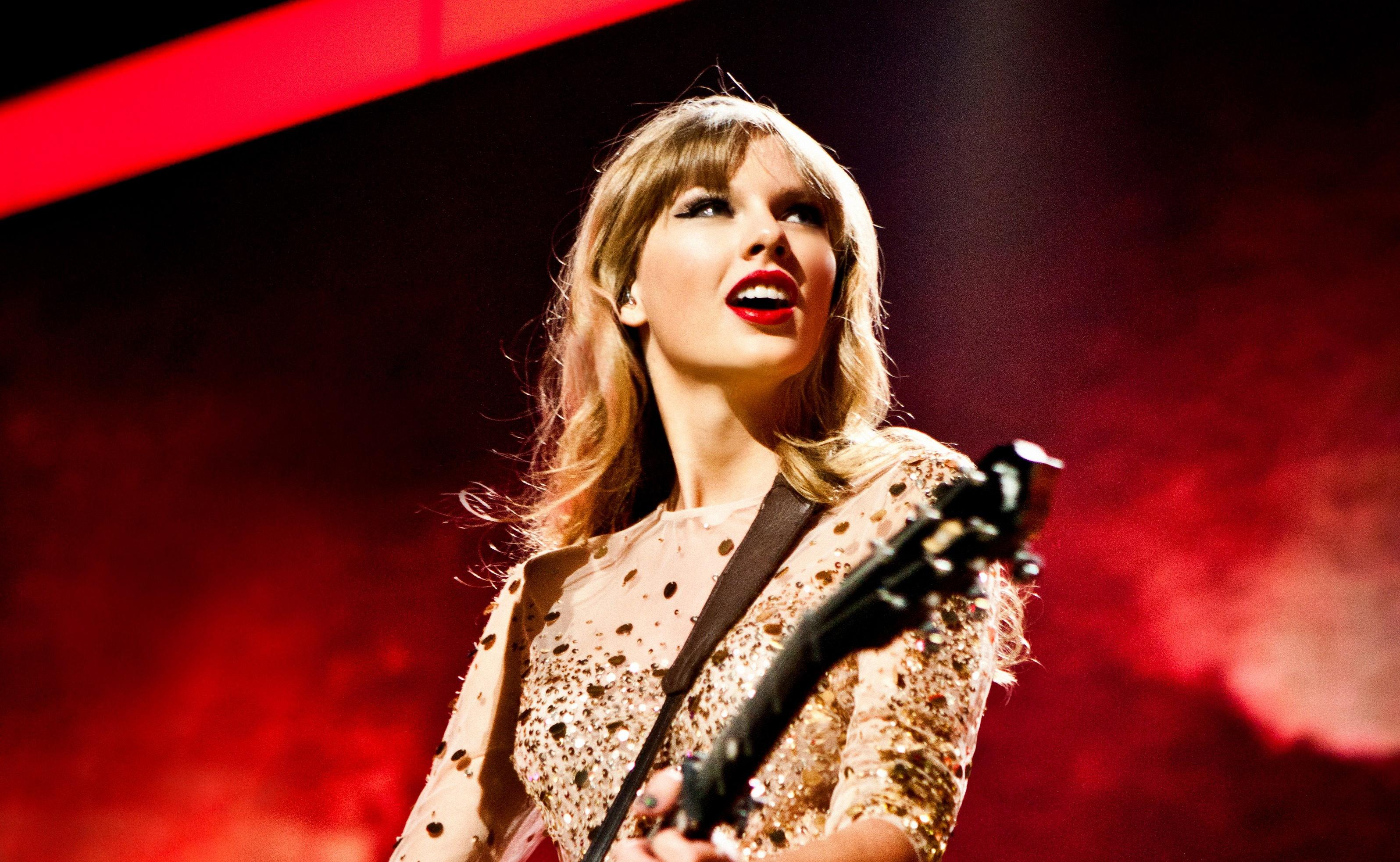 Pictures Of Taylor Swift Red Tour Playing Guitar Wallpaper Bad Blood Picture Hd