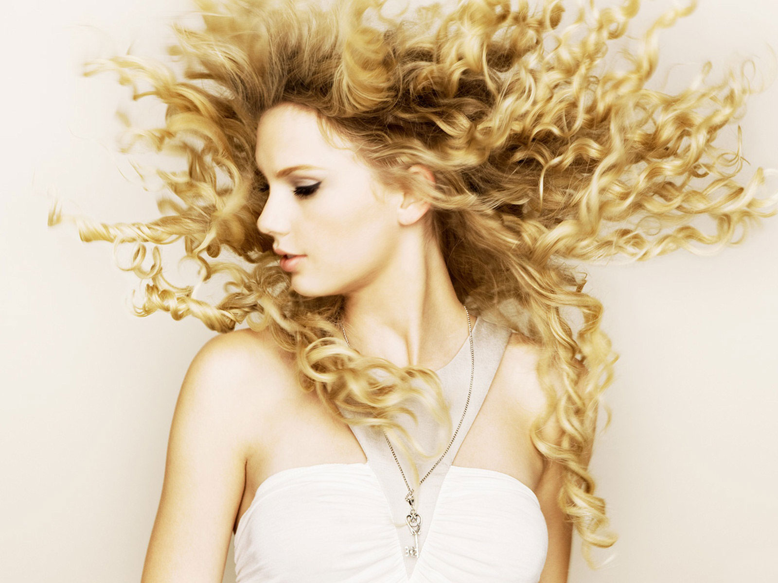 valentines_day_taylor_swift-pictures