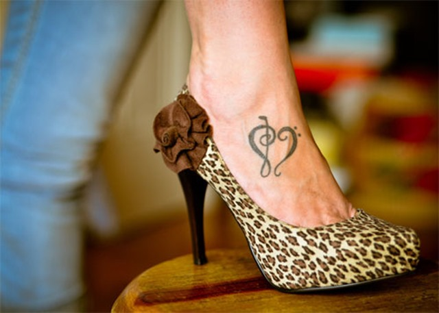 Heart-Tattoo-on-Foot-for-Women