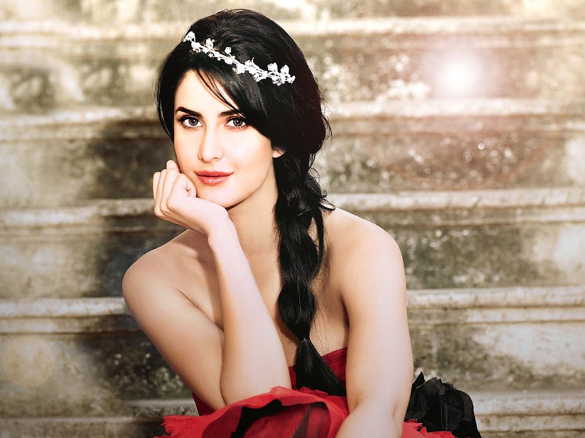 Katrina-Kaif-Cute-Photoshoot-HD-Wallpaper