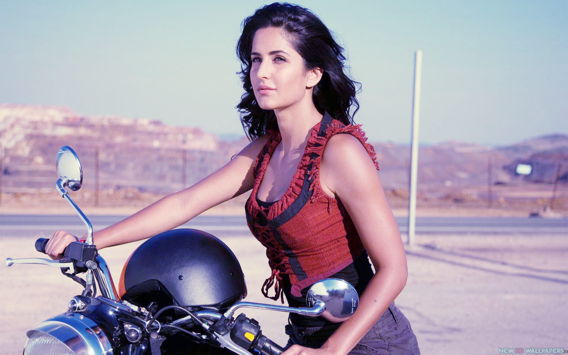 hot-image-of-Katrina-Kaif-with-Bike