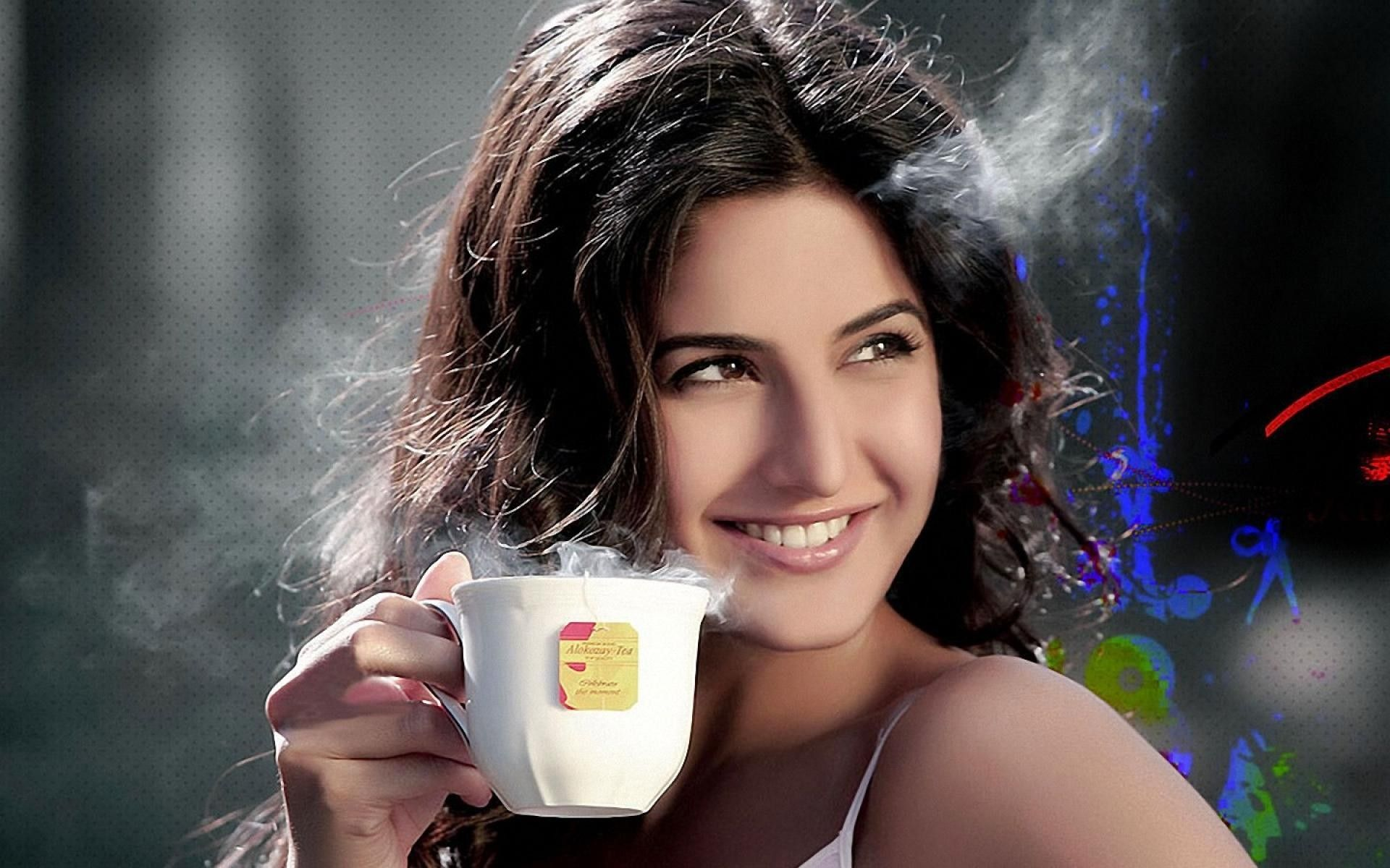 morning-coffee-with-katrina-kaif-wwallpapers