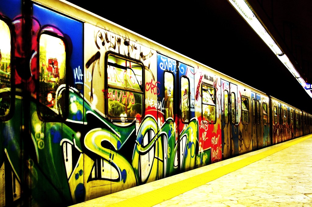 Subway-graffiti-wallpaper