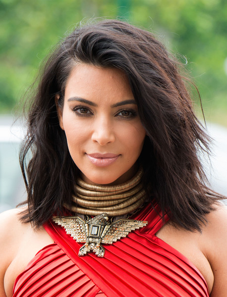 Kim+Kardashian+Shoulder+Length+Hairstyles