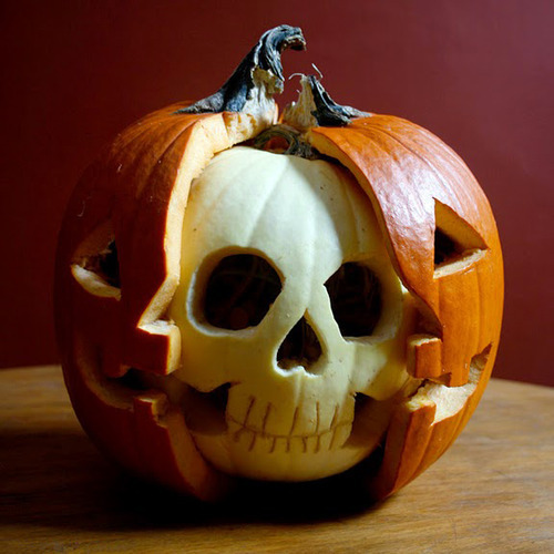 Skull-Jack-O-Lantern-pumpkin carving ideas 2017