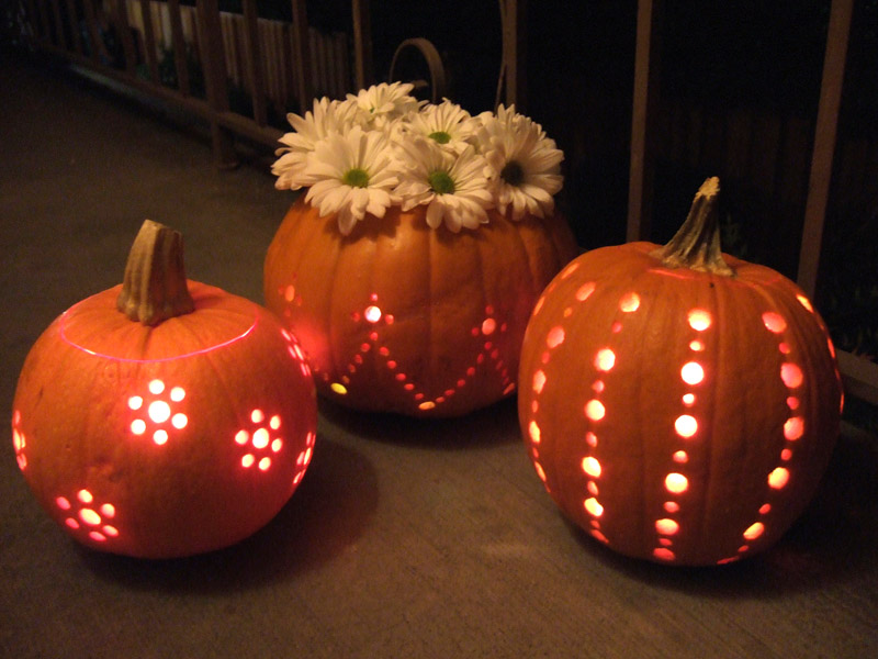 lighted-pumpkin carving ideas