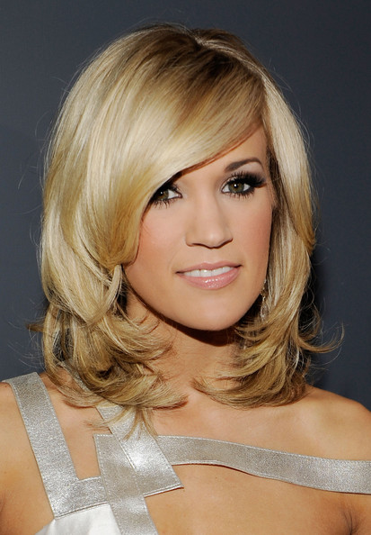 singer-carrie-underwood-arrives-at-the-grammy-awards-held