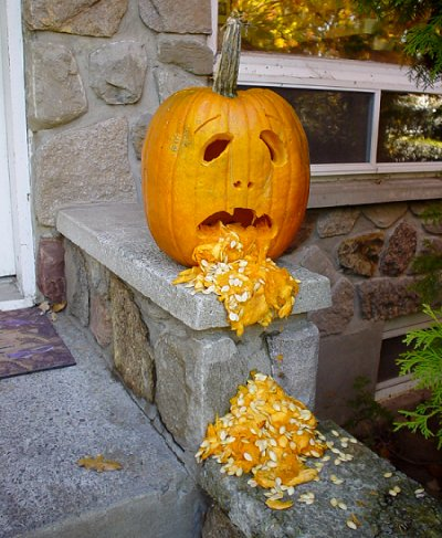 vomitting-pumpkin carving ideas 2017