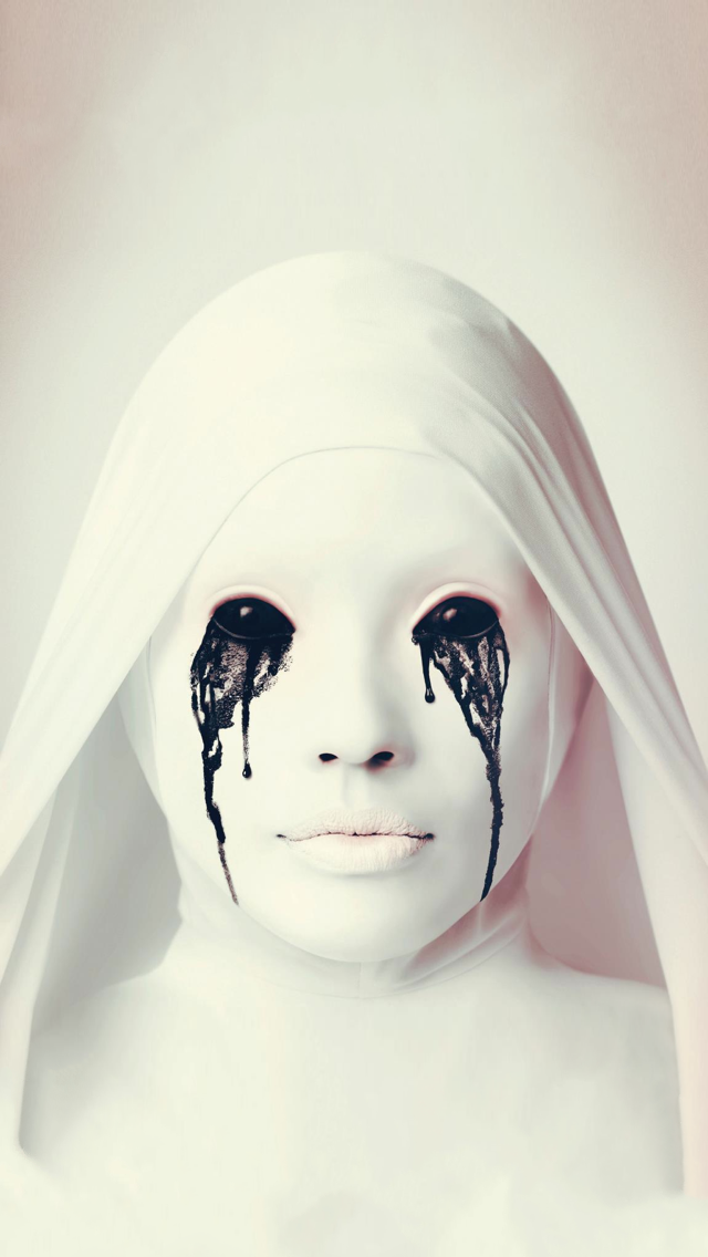 horror-crying-ghost-iphone-wallpaper