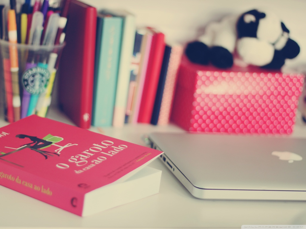 cute-girly-wallpapers-book-laptop-tabletop-desk