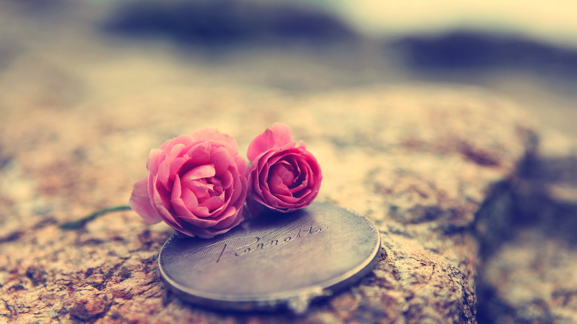 flowers-love-coin-girly-wallpaper