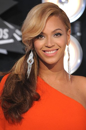 beyonce layered hairstyle