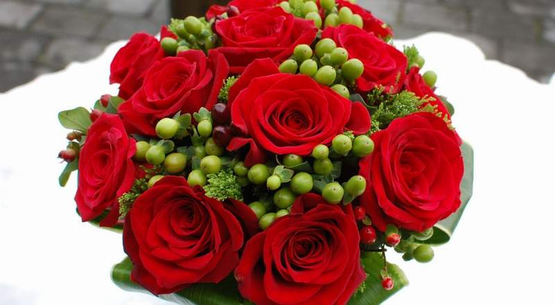 flowers bouquet red
