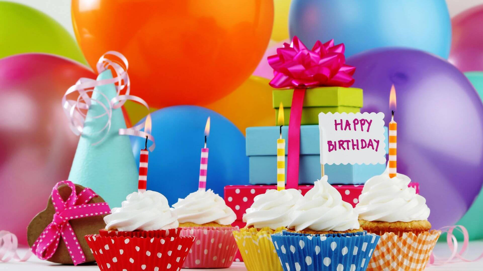 1233500-happy-birthday-cake-animation